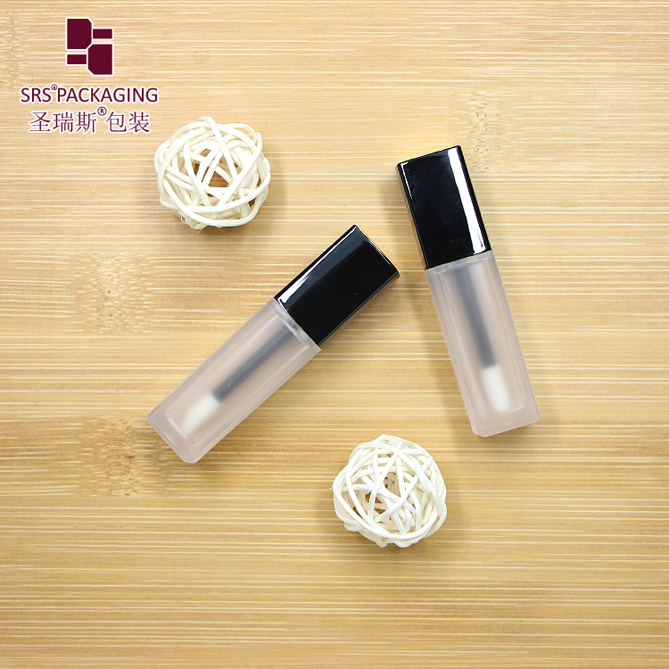 Wholesale price clear matte bottle with black lid lipgloss packaging tube 5ml empty cosmetic square lip gloss container
